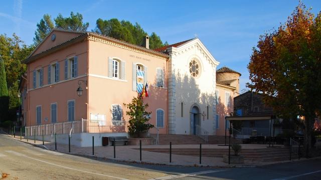 Taradeau_Rathaus und Kirche